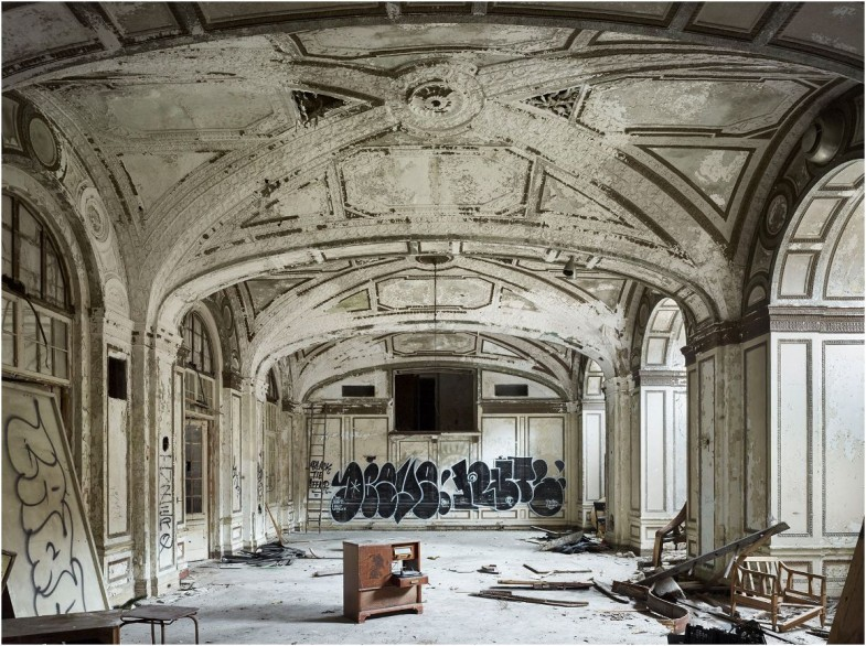 detroit-architecture-ruin-porn-duofox